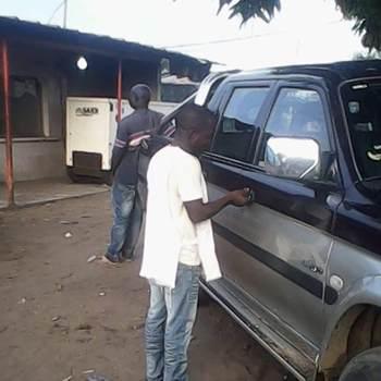 manacet_Abidjan_Alleenstaand_Man