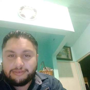 manu040428_California_Single_Male