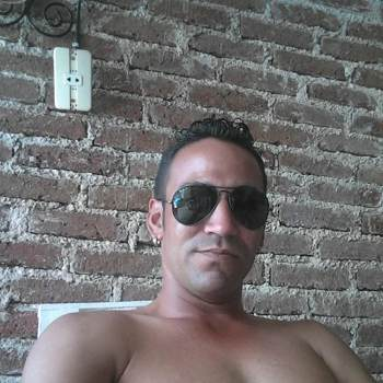 yosbanio_Holguin_Single_Male