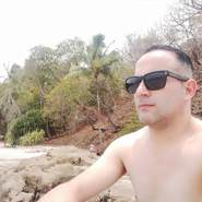 cesarc329002's profile photo