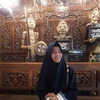 zahrosussania2_Jawa Timur_Singur_Doamna