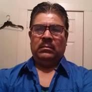 floresb693956's profile photo