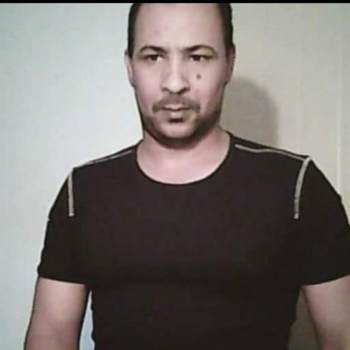 amro077_Ar Riyad_Alleenstaand_Man