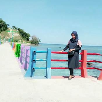 irawati_54_Sulawesi Selatan_Alleenstaand_Vrouw
