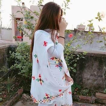 bushra306580_Sindh_Alleenstaand_Vrouw