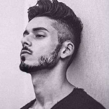 umairk495798_Punjab_Svobodný(á)_Muž