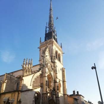 cansusari_Auvergne-Rhone-Alpes_Single_Weiblich