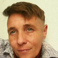 angelaw115878's profile photo