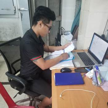 phamp241814_Ho Chi Minh_Kawaler/Panna_Mężczyzna