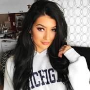selinab715618's profile photo