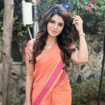 renjithr658858_Kerala_Svobodný(á)_Žena