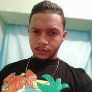 andyv15's profile photo